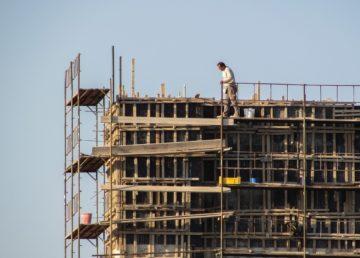 Legalización de estatus de trabajadores en el área de construcción